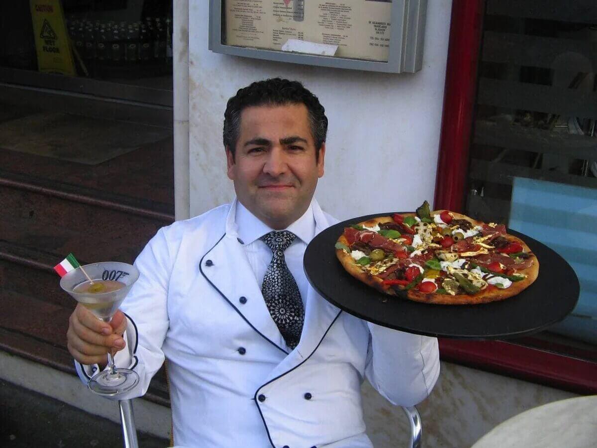 Дорогая пицца «Рояль 007»